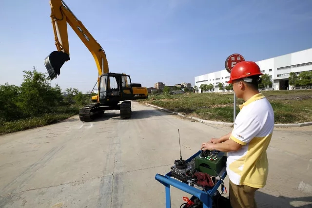 JINGONG successfully develops the unmanned excavator technology